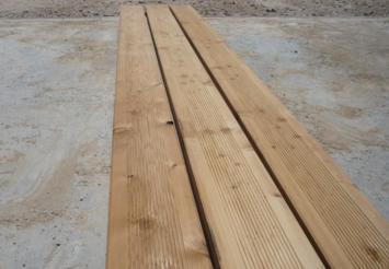 scierie vuitton ch ne h tre lames de terrasse en bois. Black Bedroom Furniture Sets. Home Design Ideas